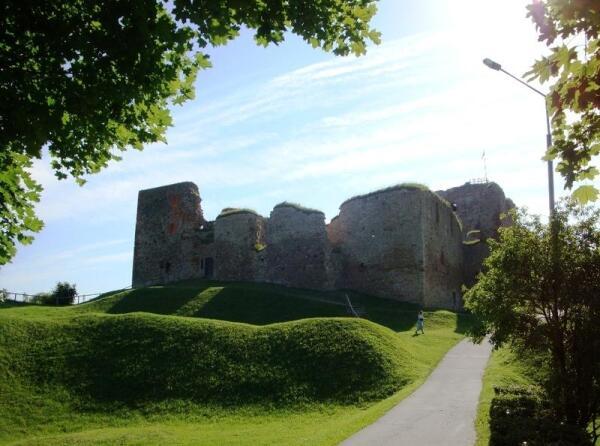 Бауский замок сегодня. Вид с юго-запада