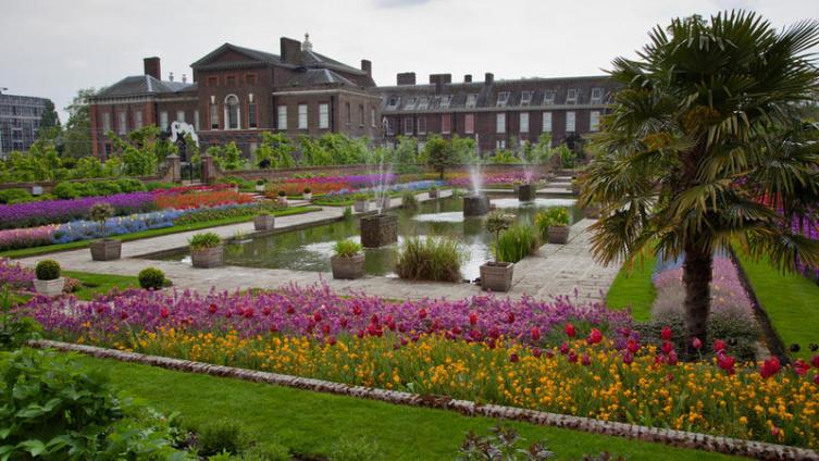Почему Кенсингтонский дворец называют проклятым?