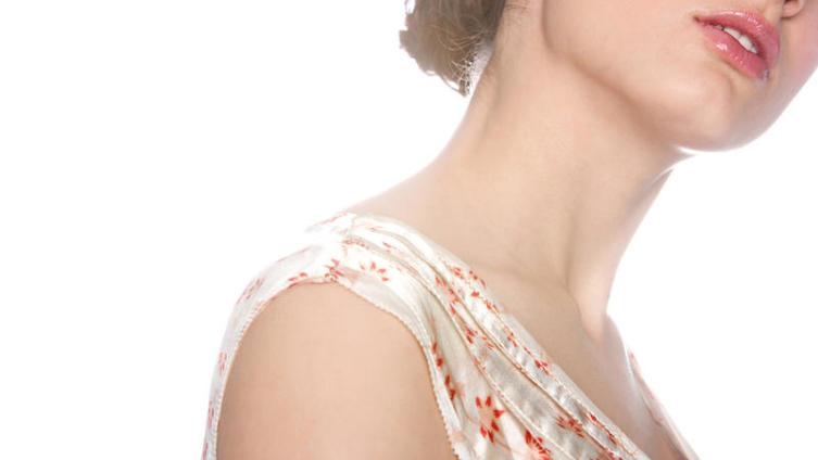 «Лебединая шея»: как сохранить ее красоту?