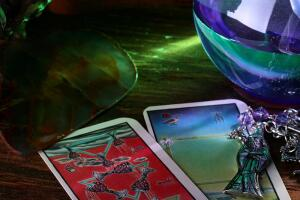 Что могут открыть карты Таро по дате вашего рождения?