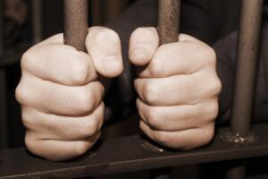 Посадить, лечить или казнить? Размышления о тяжких преступлениях и о наказании за них
