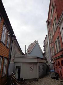 Крыши перспективные (эту особенность любят изображать современные художники)