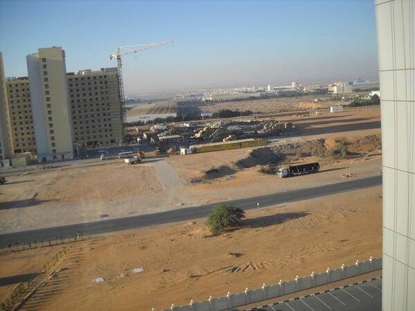 Тротуаров и обочин на дорогах ОАЭ нет