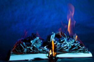 В День сожжения книг: рукописи не горят?