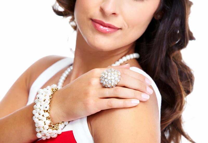 Фото девушка бриллианты