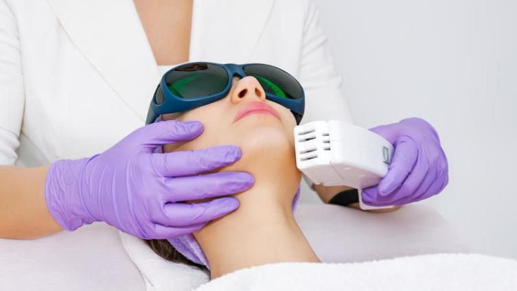 Что такое лазер и как он используется в косметологии?