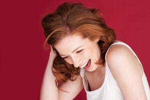 Смех без причины - признак сумасшествия?