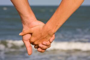 Принимать, сочувствовать, жалеть... Как мы любим?