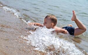 Стой, кто плывёт? Опасности на пляже и в воде