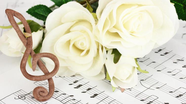 Как греческий рокер стал любовным соловьём? Ко дню рождения Демиса Руссоса