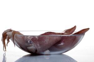 Кальмары с луком. Как быстро и легко приготовить это вкусное блюдо?