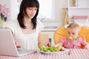 «Ищу работу в Интернете!» Что надо знать, чтобы стать мамой-фрилансером?