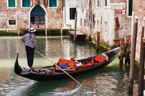 венецианские асимметричные гондолы