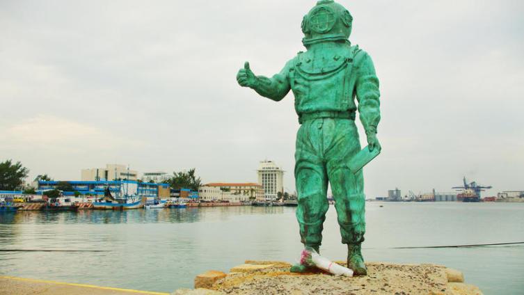 Как изобретали акваланги? Первые водолазные костюмы