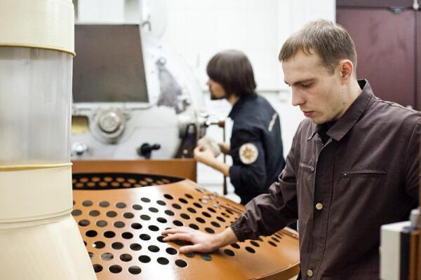 Внимательный контроль за каждой стадией обжарки — залог качества во вкусе