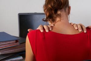 «Офисные» заболевания опорно-двигательного аппарата: кто виноват?