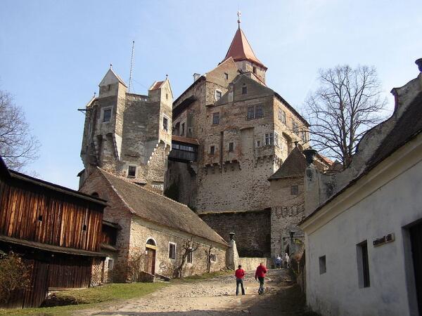 Замок Пернштейн - место обитания призраков?