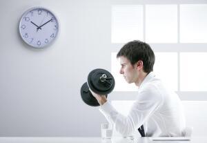 «Офисные» заболевания опорно-двигательного аппарата: что делать?