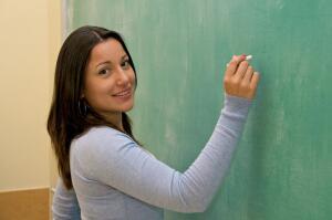 Стоит ли пользоваться услугами языковых школ?