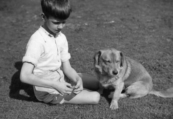Эно Рауд в десятилетнем возрасте (1938 г.)