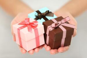 Как выразить свою любовь подарком?