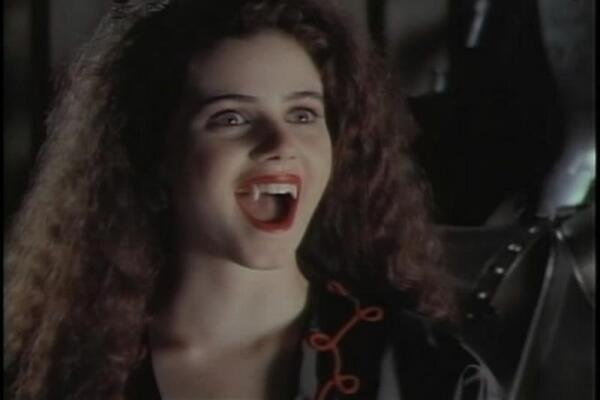 «Вампирские сериалы», или Что бы еще такого посмотреть про вампиров? Часть 1