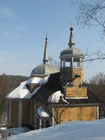 А вот такою эта церковь - по весне. Апрель 2010 г.