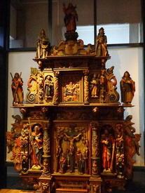 Фрагмент экспозиции церковного деревянного зодчества