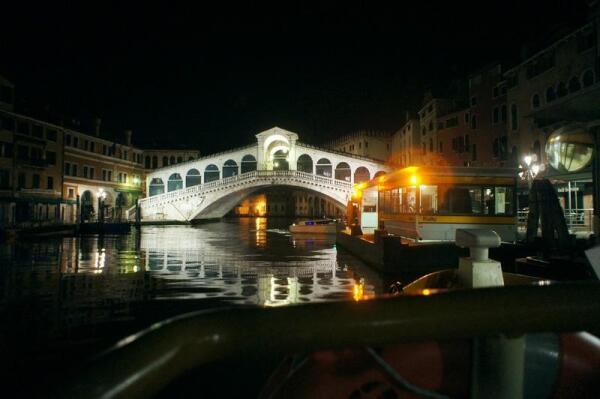 Мост Риальто в 3 часа ночи