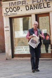 Венецианец с утренней газетой