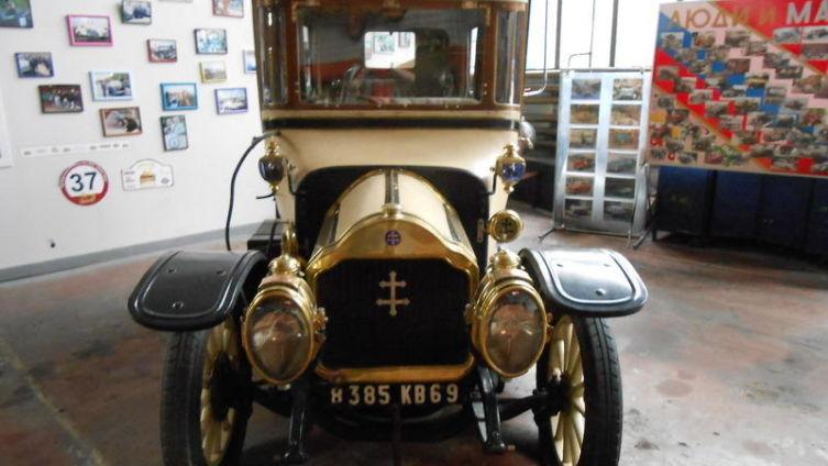Экспонат музея ретроавтомобилей «Моторы Октября»