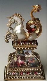 Морской единорог. Жемчуг, золото, эмаль, бриллианты, рубины, позолоченное серебро, 9.0х5.3х3.6 см, Grünes Gewölbe
