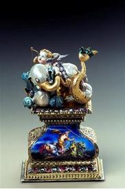 Морской слон. Жемчуг, золото, эмаль, серебро, позолота, бриллианты, рубины, 8.5х5.6х3.9 см, Grünes Gewölbe
