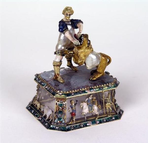 Самсон, раздирающий пасть льва. Жемчуг, золото, эмаль, бриллианты, яшма, горный хрусталь, изумруды, 10.7х8.5х7.1 см, Grünes Gewölbe