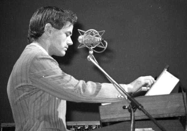 Ральф Хюттер— главный композитор и вокалист KRAFTWERK— родился 20августа 1946 года (на фото— Хюттер в 1976г.)