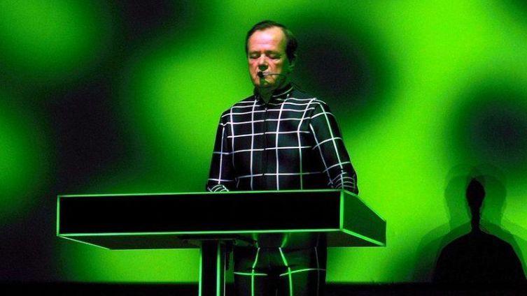 Р. Хюттер: «Нашу музыку не сыграешь на фортепьяно. Просто не получится. Ноты в нашей музыке не играют никакой роли» (на фото— Хюттер в 2013г.)