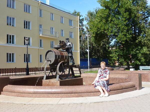 Памятник кронштадтскому водовозу.