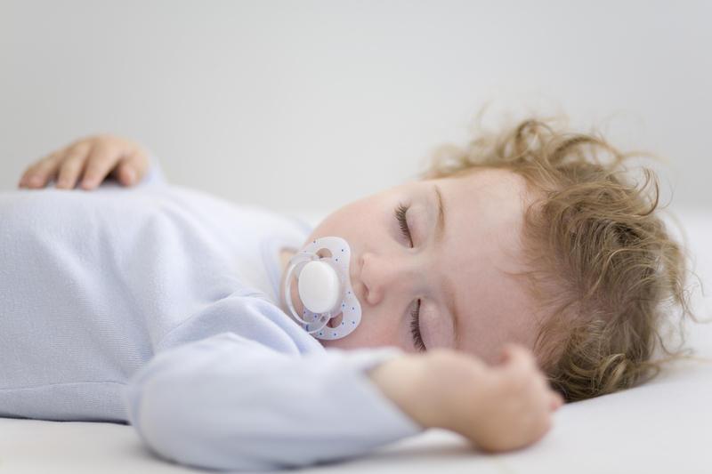 Как научить ребенка засыпать самостоятельно форум