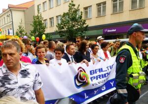 Как проходят гей-парады в Европе? Вильнюс, 27 июля 2013