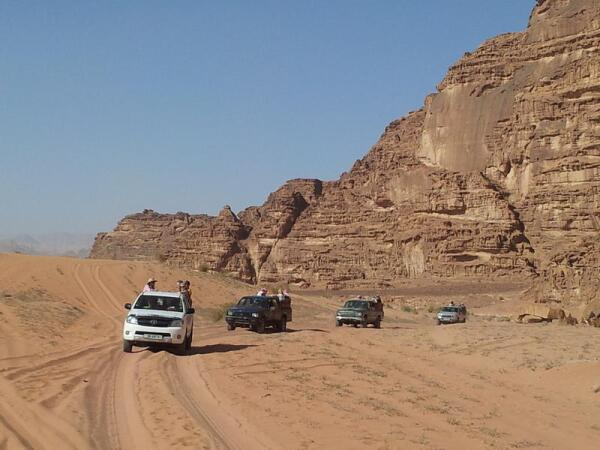 Пустыня Вади Рам очень красива. Но надо соблюдать осторожность, не ездить поодиночке - можно быстро потеряться
