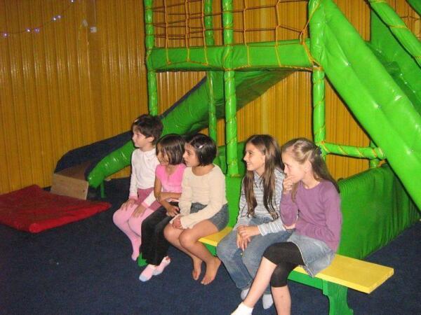 У Наташи - детский клуб, где всегда есть посетители