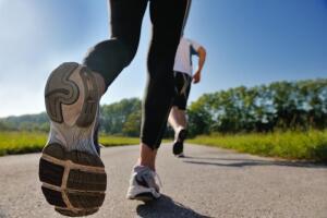 Если обувь подобрана неправильно, то ваши суставы и межпозвоночные диски будут испытывать постоянную вертикальную ударную нагрузку, и будут медленно, но верно разрушаться.
