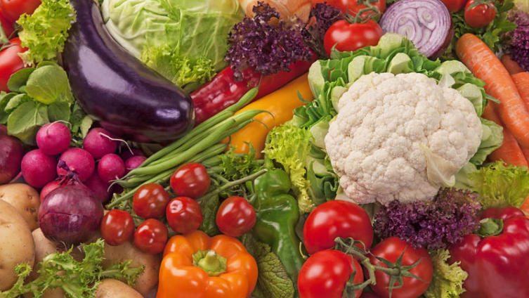 Почему опасны современные овощи и фрукты?