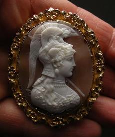 Афина Парфинская, слоистый сардоникс, 1850