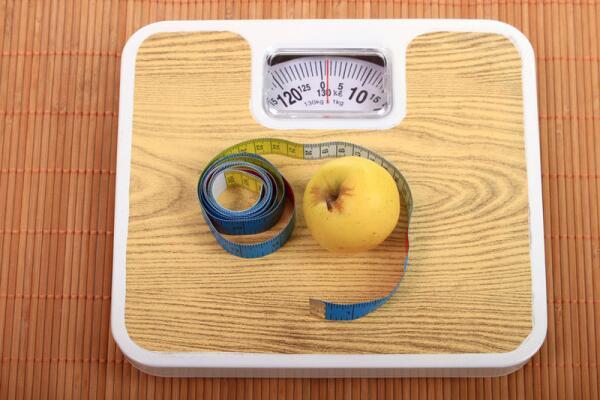 Можно ли есть и не толстеть? Рассказывает диетолог Настя Мишарина