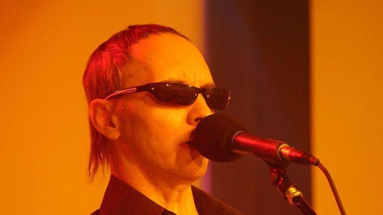 Э. Шклярский на концерте в Томске в ночном клубе «Доброе утро, Вьетнам» 19 ноября 2006 г.