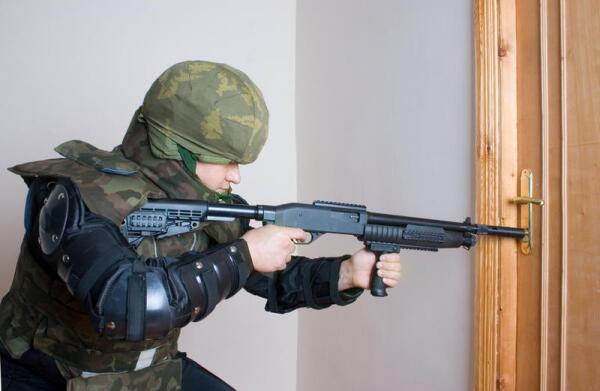 Benelli M4 Super 90. Почему итальянский полуавтомат называют «ружьё американских морпехов»? Шествие по миру