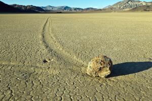 Долина блуждающих камней: самая большая загадка нашей планеты?