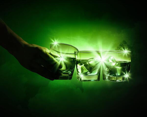 Абсент: «Зеленая фея», сводившая людей с ума?