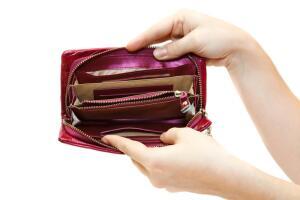 Долги и кредиты мужа: как защитить себя? Вклады, документы, имущество